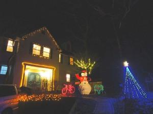 クリスマスイルミネーション(12月1日より点灯)